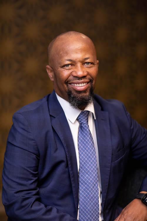 Mr Vetumbuavi Mungunda